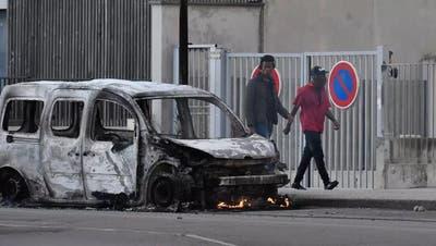Kampfzone Dijon: Paris schickt Polizeikompanie ins Burgund