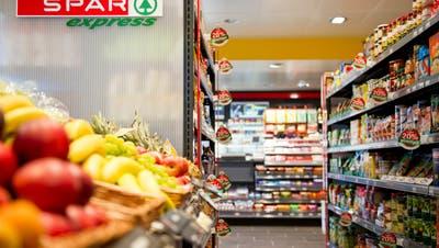 Kunden stürmen Spar-Läden: Wie der Lebensmittelhändlerfast ein Viertel mehr Umsatz verbucht hat