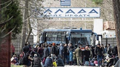 Lage in Syrien eskaliert: Türkei schickt Flüchtlinge nach Europa