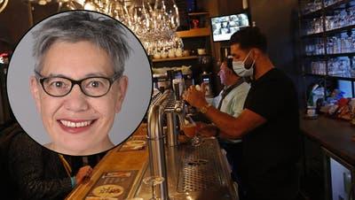 Corona-Task-Force Epidemiologin: «Ich würde momentan nicht in einem Restaurant essen»