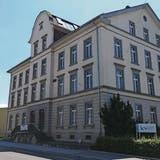 Nach der Schliessung: Gemeinde Reinach kauft KV-Schulhaus