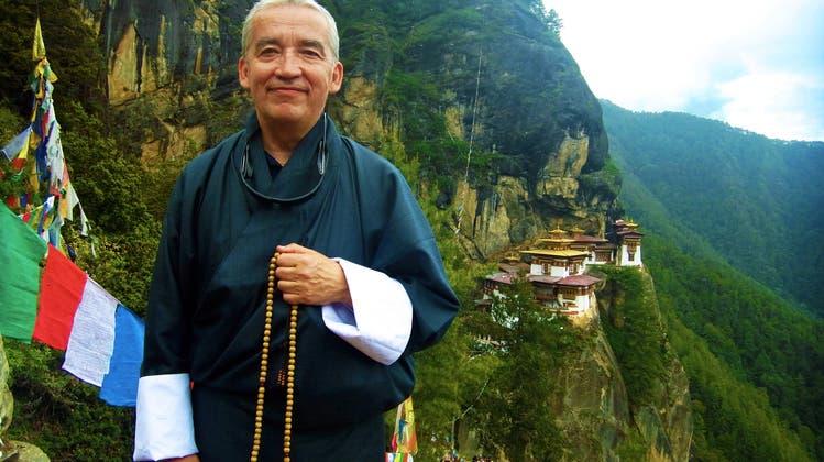 Der Glücksminister aus Bhutan setzt sich für das Bruttonationalglück ein – nun besuchte er die Schweiz