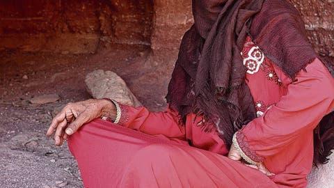 Auf Tour mit der ersten ägyptischen Beduinin,die im Sinai als Wanderführerin arbeitet