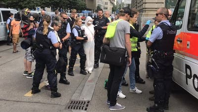 Nach Protest in Zürich: Greenpeace fordert Freilassung von 64 Klima-Aktivisten