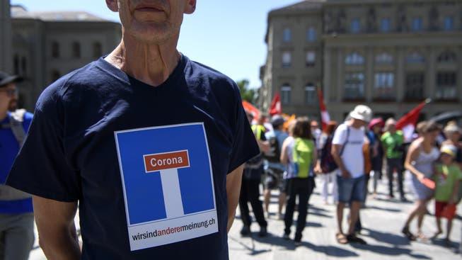 Les rebelles corona sont mécontents du Conseil fédéral - et lancent une initiative pour une révision totale de la constitution fédérale.
