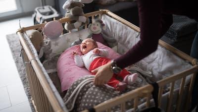 «Es ist eine Katastrophe»: Den Hebammen fehlen in der Coronakrise Hygienemasken und Handschuhe