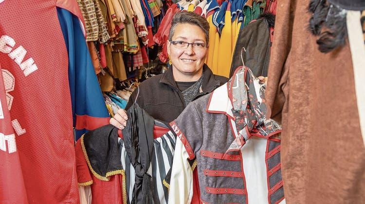 Ein neues Zuhause für 5'000 Kostüme: Dullikerin zieht mit ihrem Kostümverleih ins «Wollehus»