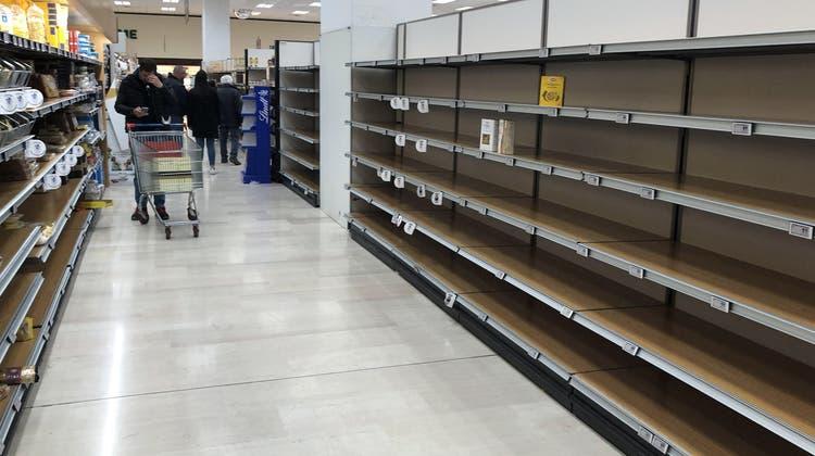 «Schlimmer als das Corona-Virus»: Leere Regale in den Läden – doch eine Pasta-Sorte bleibt liegen