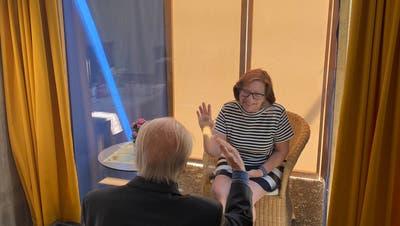 Angehörige dürfen Bewohner von Zürcher Altersheimen wieder besuchen