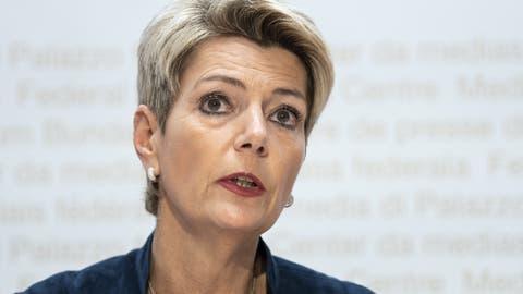 Hat die Schweiz zu viele Asylzentren? Bundesrätin Keller-Sutter lässt das jetzt prüfen