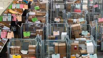 Die Post ertrinkt fast in der Paketflut – und will Kontingente für die 100 grössten Versandhändler einführen