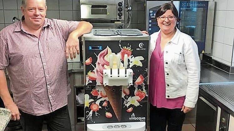Softeis statt Cordon bleu: Das Restaurant Bären wird vorübergehend zur Take-away-Gelateria