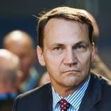 Polens Ex-Aussenminister Radoslaw Sikorski tappt in Schweizer Roaming-Falle