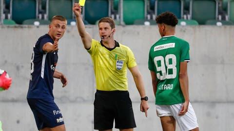 «Schiri, gelbe Karte!» – Warum die Schiedsrichter das Gastteam im leeren Stadion wohlwollender behandeln