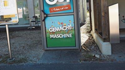 Aargauer Gemeinde lanciert erste Schulterklopfmaschine der Schweiz