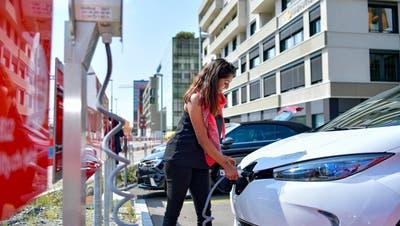 Doppelt so viele Autos mit Alternativantrieb: Mobility lenkt auf Elektro um