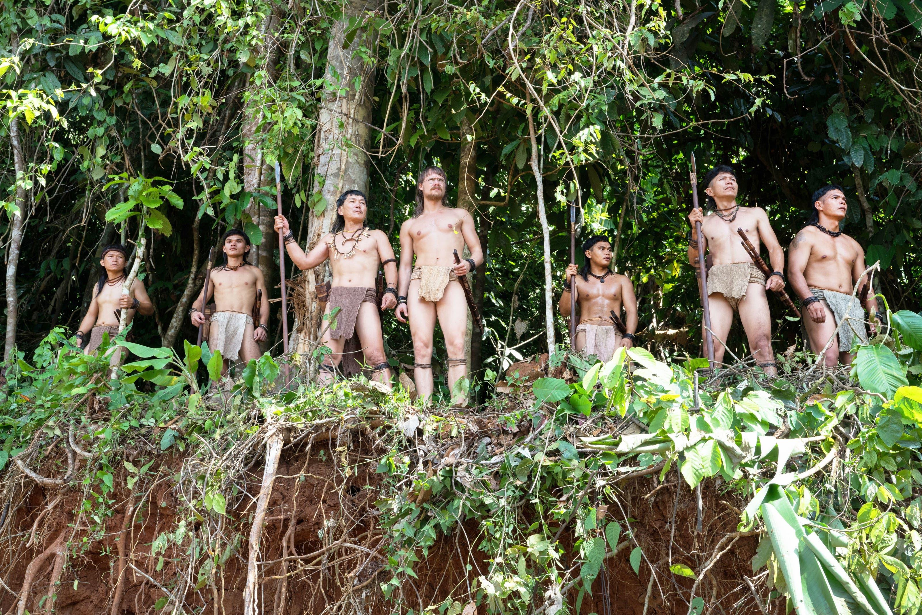 Nackt regenwald frauen Naked Survival