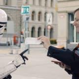Was passiert, wenn Stormtrooper ihr «Fahrzeug» auf dem Bundesplatz parkieren? Es gibt eine Busse