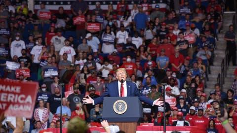Nur knapp 10 000 Zuschauer: Trump verpatzt Start in nächste Wahlkampf-Phase