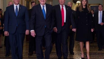Auch einige Republikaner wollen Präsident Trump vorzeitig aus dem Weissen Haus bugsieren