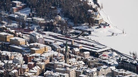 Mutiertes Coronavirus: Gesundheitsamt schliesst Schulen in St.Moritz