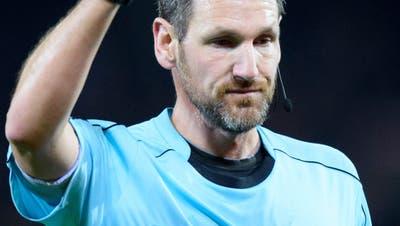 Neue Regeln für die Fussballsaison– der Schiedsrichter ist nicht mehr Luft