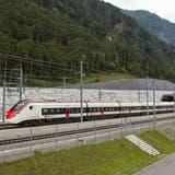 Pannen und Evakuierungen bei den SBB: Bei der Zuverlässigkeit überholt der Doppelstöcker den Giruno-Zug von Stadler