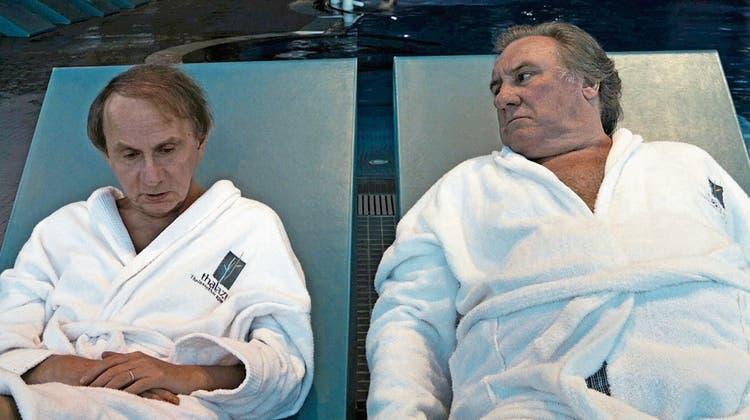 Michel Houellebecq und Gérard Depardieu treffen sich in der Wellnesshölle