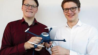 Aargauer und Deutscher spannen zusammen: Wie die 18-Jährigen mit einer Drohne Leben retten wollen