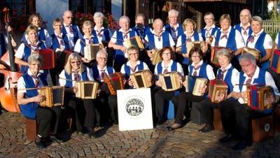«Zusammenspiel und Kameradschaft sind uns wichtig» – Schwyzerörgeli-Gruppe feiert 30-jähriges Jubiläum