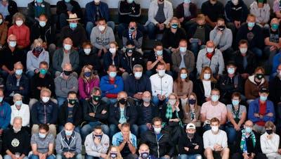 Versuchskaninchen der Pandemie: Publikum im Eishockey und Fussball ist Teil eines sozialen Experiments