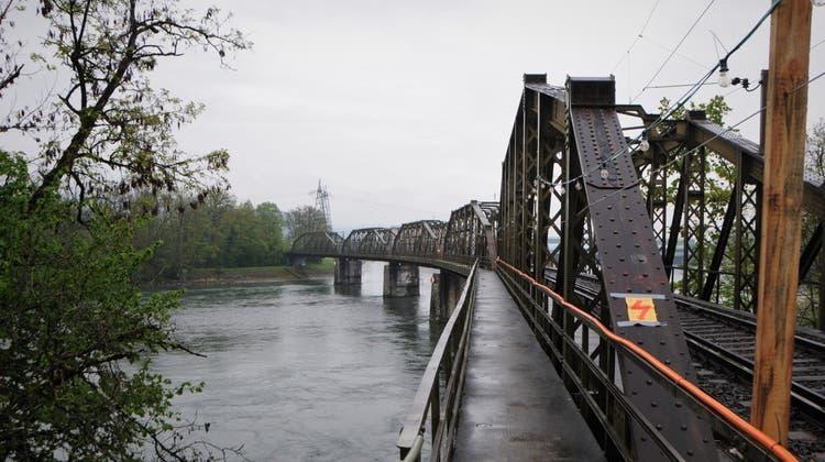 Unerwartete Hindernisse: Sanierung der historischen Eisenbahnbrücke verzögert sich