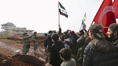 Kämpfe um Provinz Idlib: Die Türkei droht Syrien mit Vergeltung
