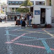 Untypisches Bild am Wochenmarkt: Mitten in den Sommerferien haben nur wenige Händler ihren Stand aufgestellt. (Bild: Adriana Ortiz Cardozo)