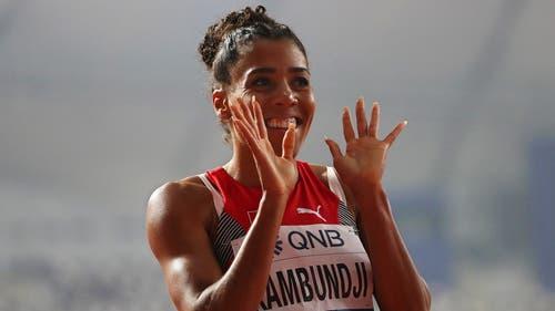 Sie kann wieder lachen: Mujinga Kambundji ist im Final über 200 Meter: (Bild: Keystone)