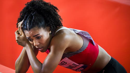 Enttäuschung bei Mujinga Kambundji: Die Bernerin verpasst den Final über 100 Meter um 5 Tausendtelsekunden. (Bild: Keystone)