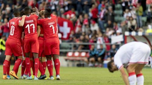 So kann es durchaus weitergehen. Die Schweiz führt zur Pause mit 3:0 gegen Gibraltar. (Bild: Keystone)