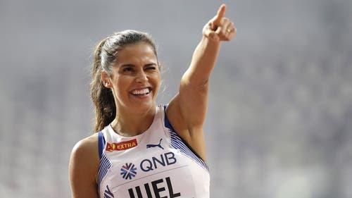 Amelie Iuel aus Norwegen zeigt es an: Hier entlang für weitere Topshots der WM in Doha: (Bild: Keystone)