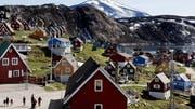 Entschuldigung, kann man das kaufen? Das Dorf Upernavik in Grönland. (Bild: Keystone)