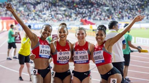 Lust statt Frust: Die Staffel freut sich über ihren Landesrekord und den vierten Rang über 4x100 Meter. (Bild: Keystone)