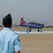 PC-7-Flugzeuge von Pilatus an einer Vorstellung der Indian Air Force Academy in Hyderabad, der viertgrössten Stadt Indiens. (Bild: Noah Seelam/AFP, 31. Mai 2013)