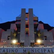 Der Bau von Mario Botta in Campione d'Italia. (Bild: KEY)