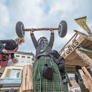 Schottisches Modebewusstsein und Stärke bewiesen diese Herren. (Bild: Pius Amrein, Dagmersellen, 2. März 2019)