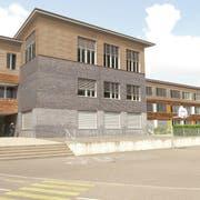 So würde der aufgestockte Spezialtrakt A des Schulhauses Würzenbach aussehen. (Visualisierung: Auf der Maur & Böschenstein Architekten ETH/HTL)