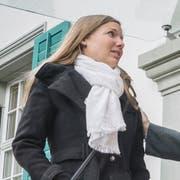 Sarah Bill und ihr Vater Rolf nach der Verhandlung vor dem Thurgauer Verwaltungsgericht in Weinfelden. (Bild: Andrea Stalder)