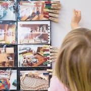 Ab wann der Kindergarten besucht werden kann, ist klar geregelt. (Symbolbild: Christian Beutler/Keystone)