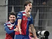 Valentin Stocker (rechts) schiesst Basel in Sion in den Cup-Halbfinal. (Bild: Urs Lindt/Freshfocus (27. Februar 2019))
