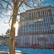 Die Kantonsschule Wattwil soll auf dem Rietstein-Areal einen Neubau erhalten. Nach 2028 kann sich der Kanton den Verkauf der heutigen Gebäude der Schule vorstellen. (Bild: Michel Canonica)