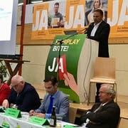 Der Schwyzer SVP-Nationalrat Marcel Dettling aus Oberiberg hat in Ruswil für die Selbstbestimmungsinitiative geworben. (Bild: Evelyne Fischer, 8. November 2018)