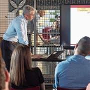 Sicherheitsexperte Arié Malz sprach in Lichtensteig zum Thema Risiko-Modelle in der KMU-IT. (Bild: Sascha Erni)